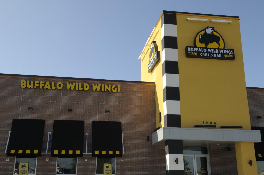 B 1024x680 - Buffalo Wild Wings Formosa Gardens Kissimmee